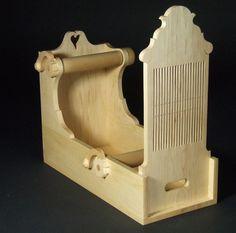 Tape Loom ....  double hole rigid heddle box loom