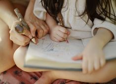 Cute shot #mother #daughter #photography #drawing #sketchbook #family #photo