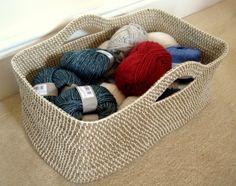 Crochet Basket ~ free pattern using rope.