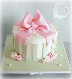 gift box cake on Pinterest Bridal Shower Cakes, Shoe Box ...