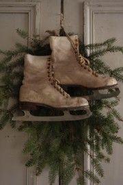 holiday, red doors, ice skate, christmas decorations, primitive christmas, christma idea, wreath, primit christma, vintage charm