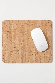 Bulletin Mouse Pad fr Anthropologie $32 Could you make this with contact paper + cork board?