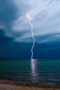 ✯ Lightning Strike
