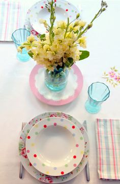 love the polka dot dishes