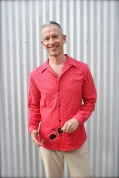 Men's Cotton Eyelet Shirt | Mood Sewing Network. Made with our cotton eyelet by Peter of Male Pattern Boldness. #moodfabrics