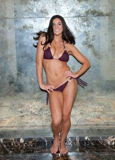 Remember the Australian hurdler Michelle Jenneke, who stole our hearts with her pre-race dancing at the 2012 Olympics? Check out her warmup, which she taught SI Swimsuit for the 2013 edition. (James Macari/SI)
