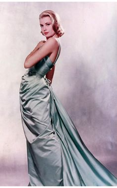 Grace Kelly's 1955 oscar gown