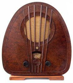 Philips Art Deco Bakelite Radio - 1933 - made in Holland - @~ Watsonette