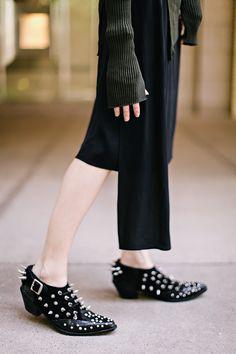 jane aldridge wears junya watanabe brogues, sea of shoes