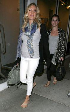 Kristin Cavallari- cute maternity outfit
