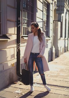 boyfriend jeans, fashion, soft pink, outfit, weekend style, street styles, cozy sweaters, blogger style, coat