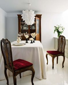 Classic contemporary white dining