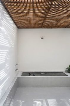 Home and office of the architect Guilherme Torres, Sao Paulo, Brasil