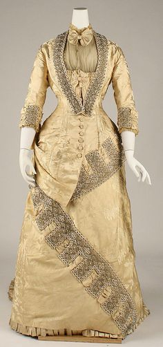 1879 French Dress at the Metropolitan Museum of Art, New York