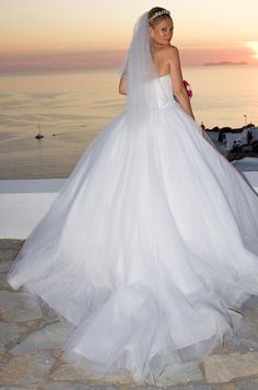 Wedding Dress with long veil #Santorini weddings
