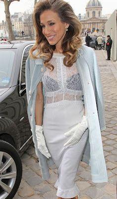 Sarah Jessica Parker at Paris Fashion Week ~ gorgeous fashion weeks, paris fashion, lace tops, louis vuitton, pari fashion, carrie bradshaw, white lace, loui vuitton, sarah jessica parker