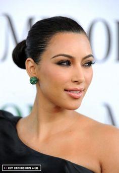 galleries, kim kardashian, weddings, wedding blue, bold earring, blues, earrings