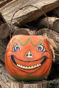 Halloween Gallery - Bev's Hand Crafted Gourds