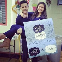 Here's a promposal that all fans of The Fault In Our Stars will LOVE!!