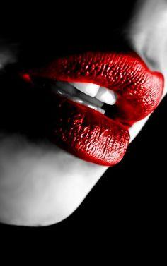 ╰☆Black • Red • White☆╮