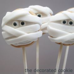 HALLOWEEN: mummy cookie pops guest post for Celebrations | The Decorated Cookie