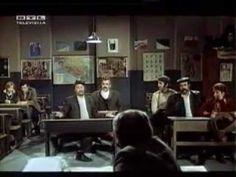 Predstava Hamlet u Mrduši donjoj 1974 cijeli film - http://filmovi.ritmovi.com/predstava-hamlet-u-mrdusi-donjoj-1974-cijeli-film/