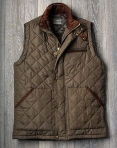 Introducing the Custom Fit Mens Quilted Jacket by Vedoneire (Olive Green). £39.99.  Comes in sizes Small to 4XL. Designed to be worn over light clothing, so the fit is neater as a result.