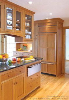 Shaker Kitchen Cabinets #03 (Crown-Point.com, Kitchen-Design-Ideas.org)