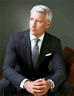 Anderson Cooper rocks the fitted suit.