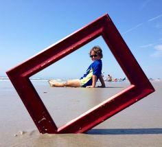 Fun beach picture idea! I'm going to have to do this next time I am at the beach!