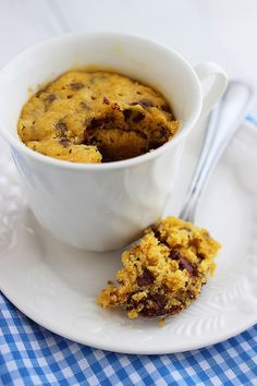 This looked so good I had to try it instantly and I'm thinking it's going to become an all-time favourite.  The Comfort of Cooking » 1-Minute Chocolate Chip Cookie In a Mug -