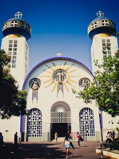 The cathedral in Acapulco, Mexico. This was the setting for a scene in the Emilia Cruz mystery HAT DANCE, in which Emilia strikes a deal to expose corruption. But the deal could come with a very high personal price.