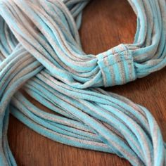 Turn an unloved t-shirt into a scarf with this easy tutorial!