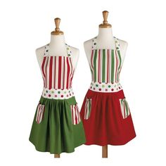 LOVE these Christmas aprons... so cute! christma apron, holiday peppermint, holiday baking, christmas, aprons, apron set