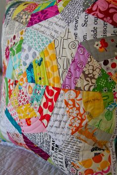 Circle quilting by Darci - Stitches, via Flickr. This is really fun for a little girl! Change the colors a little and would be super cute for a daughter or sister going off to college or something!