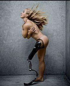Sarah Reinertsen, 1st female leg amputee to complete the Ironman