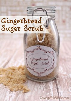 Homemade Gingerbread Sugar Scrub with printable gift tags. Perfect for the holidays. #DIY #Christmas