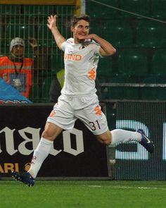 Borini Gooooool and trademark celebration! Palermo-Roma 0-1