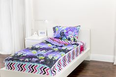 Zipit Bedding Mix 'N Match with Fantasy Forest and Rocker Princess. Zipit Bedding is America's FIRST all-in-one zippered bedding that will forever change the way people, of ALL ages, make their beds! Simply put, it works like a Sleeping Bag… you just Zipit!