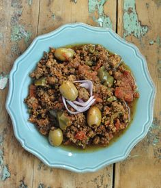 Picadillo Paleo Slow Cooker - Life is so much easier when you can come home to a fully cooked meal in your slow cooker! This is one delicious meal your family can enjoy! #food #paleo #grainfree #glutenfree #dairyfree #maindish #slowcooker #beef #picadillo