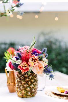 Flowers in pineapples!