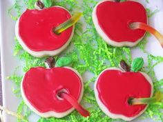 Apple cookies with gummy worms for Back To School Party