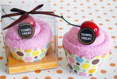 Pink Towel Cupcake...perfect prize for a baby shower game!