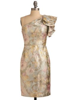 Follow Your Gleam Dress --- I am loving the over-sized shoulder bow