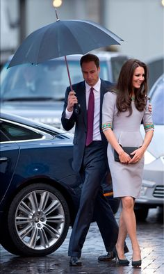 duchess of cambridge, queen, umbrella, the dress, prince william, kate middleton, a royal affair, princess kate, grey dresses