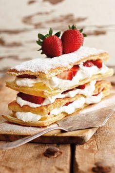 """一番可愛いケーキ""""ミルフィーユ""""は食べるのも一番難しい!正しい食べ方知ってる?"""