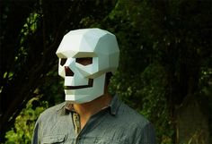 Polygon skull mask Out of Cardboard