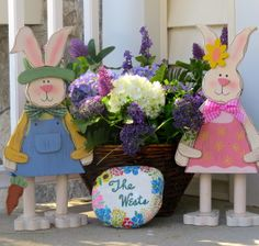 It is fun to dress up the front porch for SPRING !!