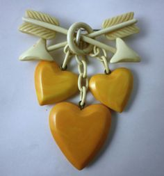 A romantically lovely vintage Bakelite Heart Pin. #vintage #jewelry #brooches