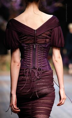 STUNNING!  Dolce & Gabbana 2014 | fashion up close http://sulia.com/channel/fashion/f/ea58eca0-4b86-42aa-8d8d-e566dcecf807/?source=pin&action=share&btn=small&form_factor=desktop&pinner=125430493
